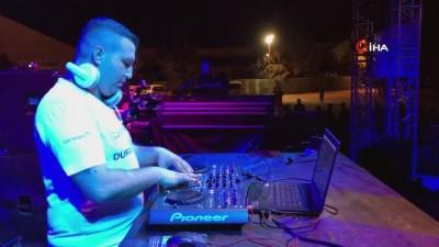 festival -  DJ Turkuaz ve Eypio Akhisarlı gençleri mest etti