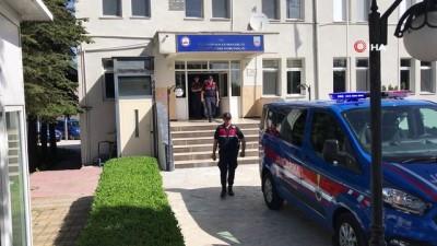 dolandiricilik -  Jandarma suç makinesini pencereden kaçarken yakaladı