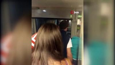 baskent -  - Moskova Metrosunda Bin Kişi 2 Saat Boyunca Mahsur Kaldı