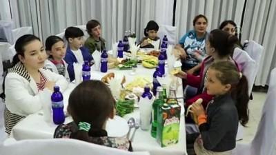 baskent - Türk Kızılaydan Gürcistan'da çocuklara iftar - RUSTAVİ