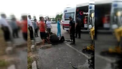 Antalya'da turistlerin bulunduğu ticari taksi ile otomobil çarpıştı : 4 yaralı
