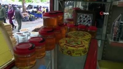 forma -  Arı sütü ömrü uzatıyor...Her derde deva olan sütün kilosu bin 500 liradan satılıyor Haberi