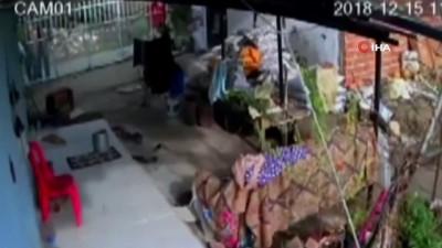 Kore gazisinin ahı yerde kalmadı...Evini soyan 2 dolandırıcı tutuklandı