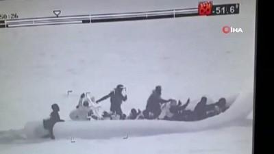 akalan -  Lastik botla ölüm yolculuğuna çıkan 28 kaçak göçmen gece görüş kamerasıyla görüntülendi