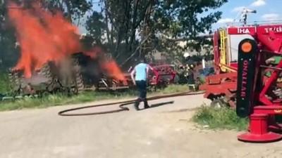 Malkara'da binlerce sebze sandığı alev alev böyle yandı