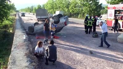 Otomobil devrildi: 1 ölü, 1 yaralı - KOCAELİ