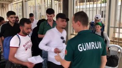 jandarma - Suriyeliler bayram için ülkelerine gidiyor - HATAY