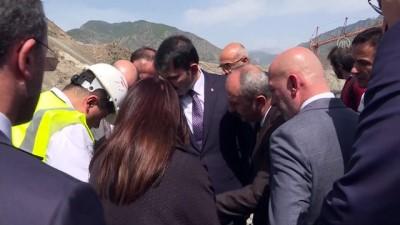 Bakan Kurum, Yusufeli ilçesindeki yeni yerleşim yerinde incelemelerde bulundu - ARTVİN