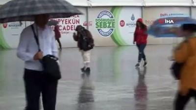 saganak yagis -  Gök gürültü sağanak yağış vatandaşlara zor anlar yaşattı Haberi
