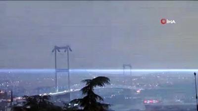 meteoroloji -  İstanbul'da şimşekler gökyüzünü aydınlattı