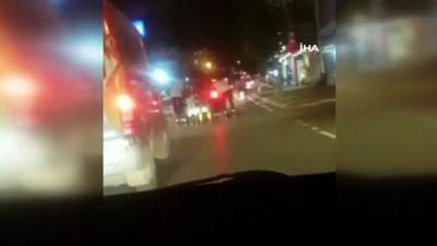Patenli gençlerin trafikteki tehlikeli yolculuğu kamerada