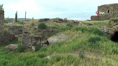 Ahırdan tarih fışkırdı... 3 bin 500 yıllık Hitit yazıları bulundu