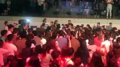Haluk Levent burslu öğrenciler için sahneye çıktı - ANKARA