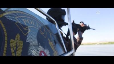 Özel harekat polislerinden gölde su altı tatbikatı - ANKARA