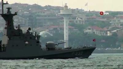 Türk savaş gemilerinden Barbaros Hayreddin Paşa'ya 'çimariva' selamı