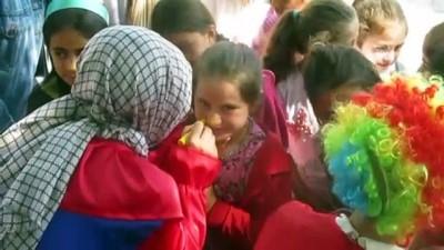 kutuphane - Üniversiteliler, köy okuluna kütüphane kurdu - AFYONKARAHİSAR