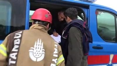 jandarma -  Virajı alamayan kamyon devrildi: 2 yaralı