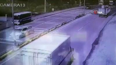 Yolun karşısına geçmeye çalışan genç kıza tır böyle çarptı