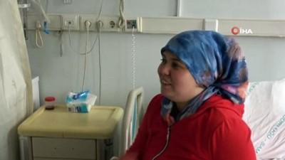 Ayna yöntemiyle tersine ameliyat...İç organları ters olan kadının ameliyat ile böbreğinden 30 adet taş çıkarıldı
