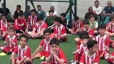 kulup baskani - Diyarbakır'da minik futbolculara 2'inci seminer verildi