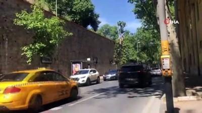 İstanbul'da lüks otomobillerle tehlikeli mezuniyet kutlaması havadan görüntülendi