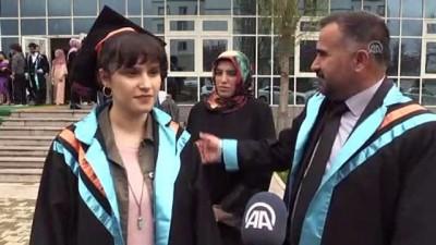 Baba 47 kızı 22 yaşında aynı üniversiteden mezun oldu - BİNGÖL