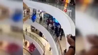 - Çin'de tekvandocular birbirine girdi