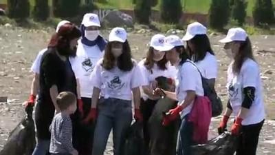 genclik merkezi - Lise öğrencileri sahilde temizlik yaptı - ZONGULDAK