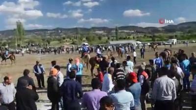 ceyrek final - Şampiyonluğu atlarıyla oynayarak kutladılar