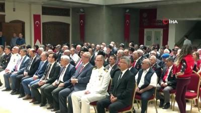 Kıbrıs gazileri 45 yıl sonra madalyalarına kavuştu