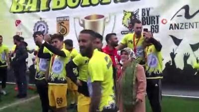 kulup baskani - Bayburt şampiyonluk kupasını aldı
