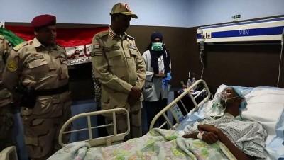 rejim karsiti - Sudan'da Askeri Konsey Başkan Yardımcısı'ndan yaralılara ziyaret - HARTUM