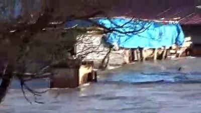 Tercan Baraj Göleti taştı...Yollar, ev, ahır ve tarım arazileri sular altında kaldı