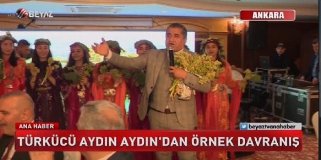 beyaz tv ana haber - Türkücü Aydın Aydın'dan örnek davranış