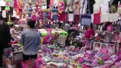 - Pazarcılar sosyete pazarının hafta içine alınmasını istemiyor