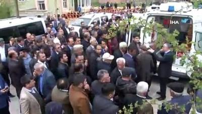 Silahlı saldırıya uğrayan AK Parti'li toprağa verildi