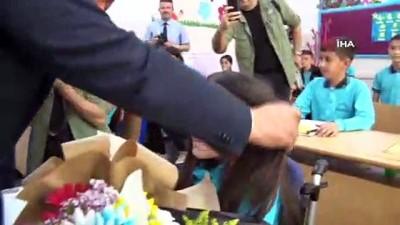 beden egitimi -  Sosyal medya gündemine oturan Zeynep'e validen hediye