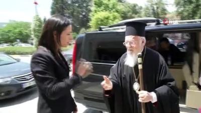 Patrik Bartholomeos İzmir'de ayin yönetti