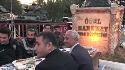 'Huzurun Bekçileri' görev yerinde iftar yapıyor - MARDİN