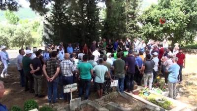 Hollandalı yerleşik yabancı Gazipaşa'da Türk usullerine göre defnedildi