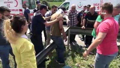 Kazada yaralanan baba, ölen oğlunun başından ayrılamadı