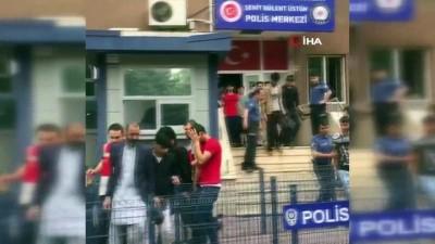 polis merkezi -  Zeytinburnu'nda 5 ayda 2 bin 275 kaçak göçmen yakalandı