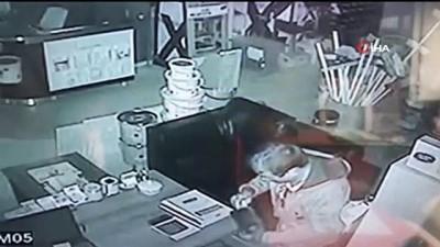 guvenlik kamerasi -  İş yerinden para çalan hırsız tutuklandı