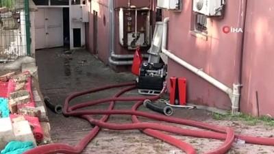 su baskini -  Pendik'de bir hastanenin bodrumunu su bastı