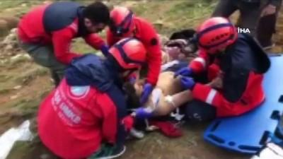ilk mudahale -  Çatak'ta yıldırım düştü: 1 yaralı