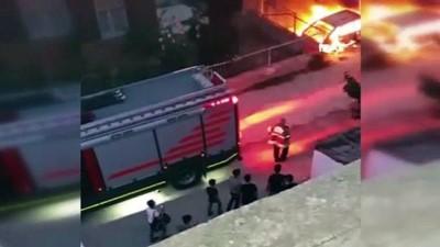 kamera -  Park halindeki araç alev alev böyle yandı