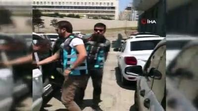 polis merkezi -  Üsküdar'da tek teker ile ilerleyen motosikletli maganda yakalandı