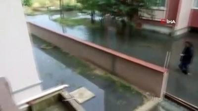 su baskini -  Çerkezköy'de şiddetli yağış...Birçok yeri su bastı, dereler taştı