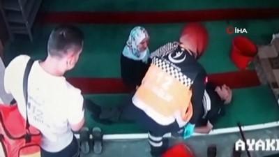 Ölüm camide yakaladı...Hayat arkadaşı ellerinde böyle can verdi
