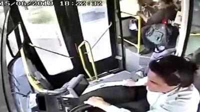 Kadın belediye otobüs şoförü kalp krizi geçiren yolcuyu böyle kurtardı
